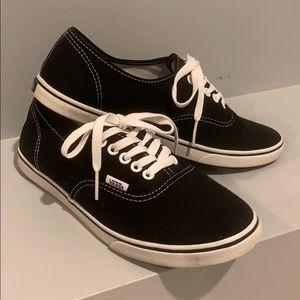 VANS Authentic Shoes Size 9.5